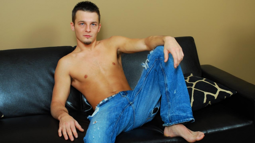 Ross gives an extra hot solo shoot today and has a cheeky grin that is extremely similiar to some recent models, can you guess who he looks like?.