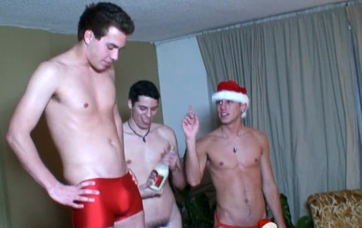 Calvin, Cj James And Hayden In Santas Helpers
